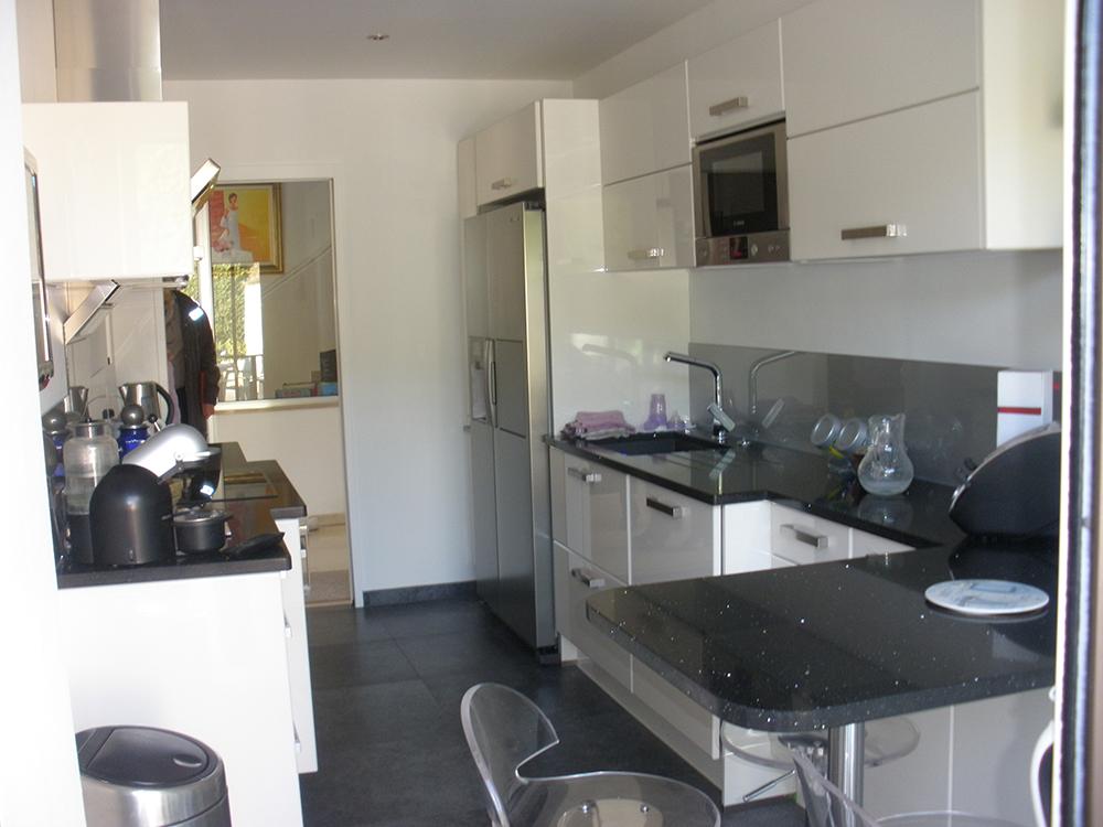 les belles cuisines villeneuve loubet. Black Bedroom Furniture Sets. Home Design Ideas